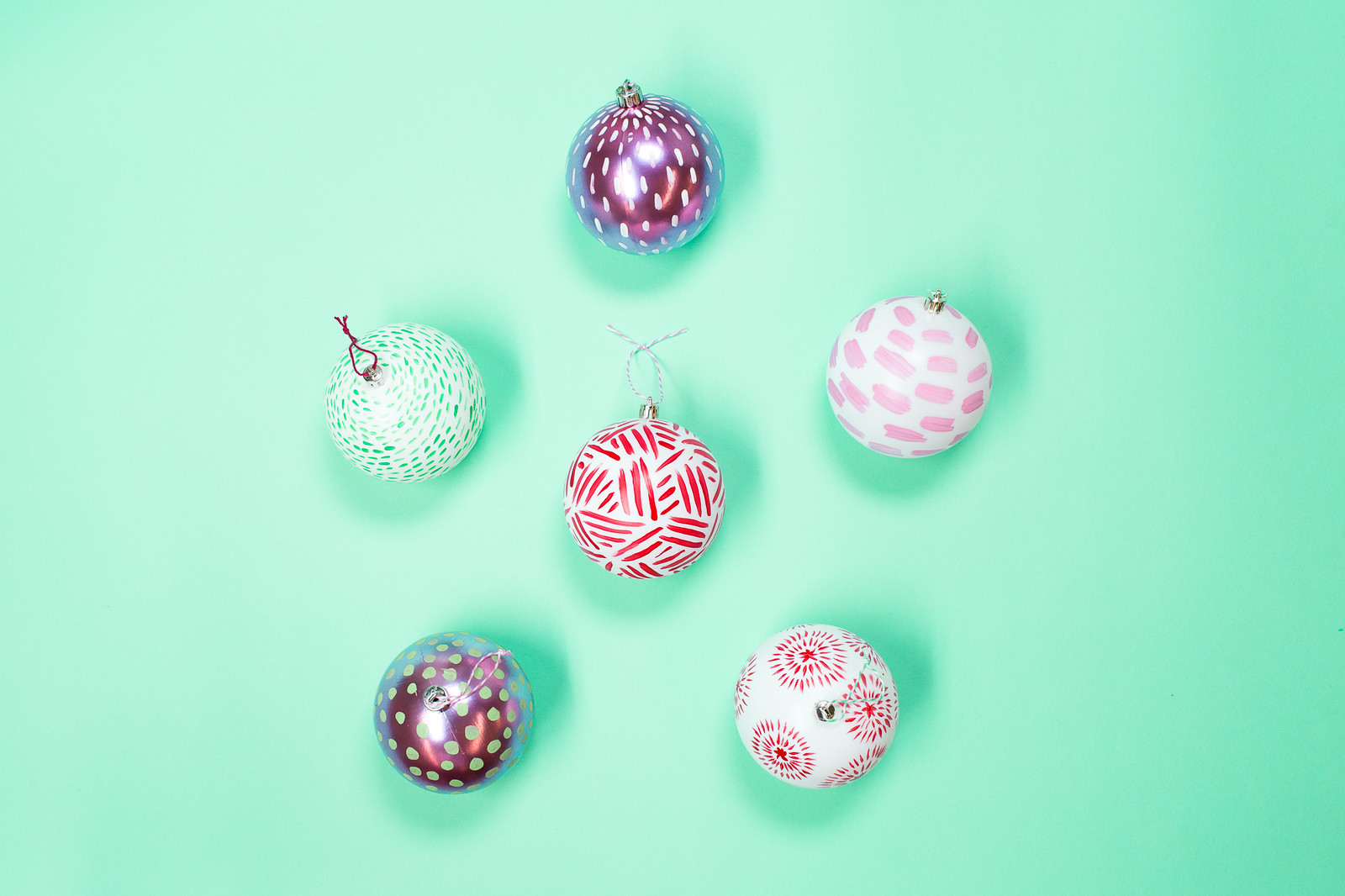 tu_holiday_ornaments-183-x3
