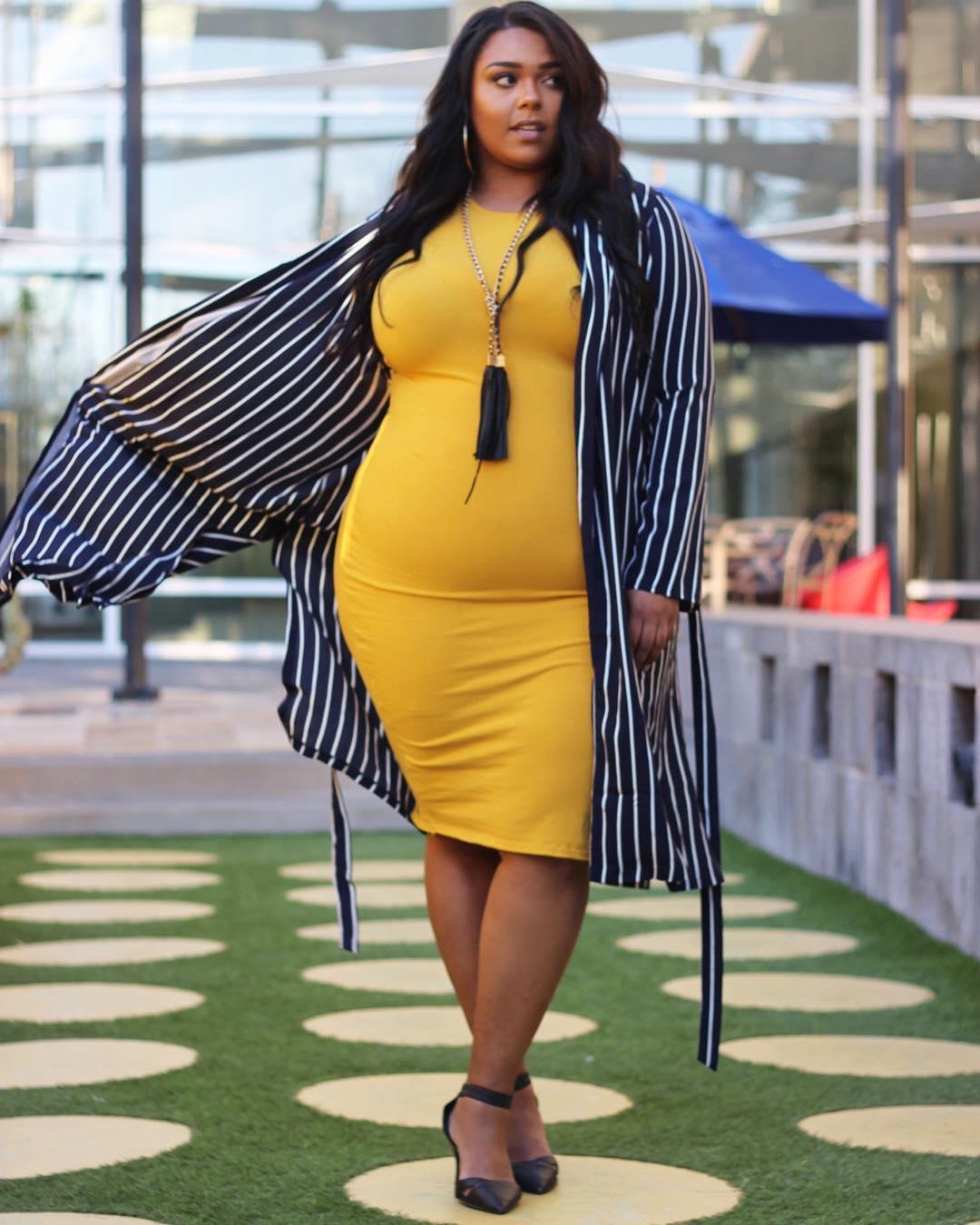 Curves stylish fashion blog photo