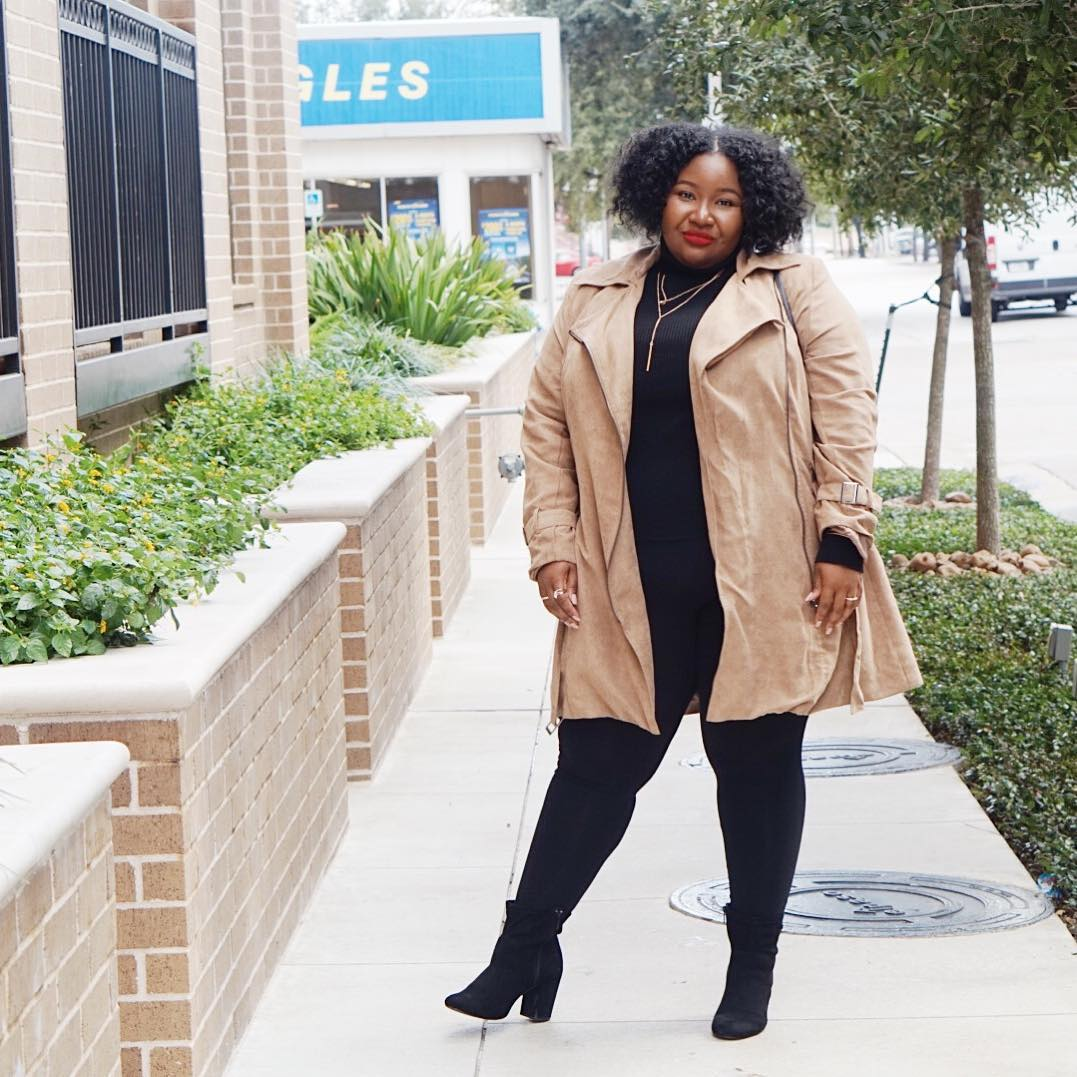 Exclusive: 5 Expert Styling Tricks For Plus-Size Dressing photo